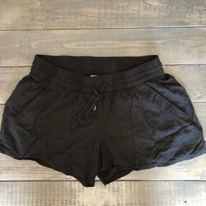 Women's size small black shorts. Old Navy.